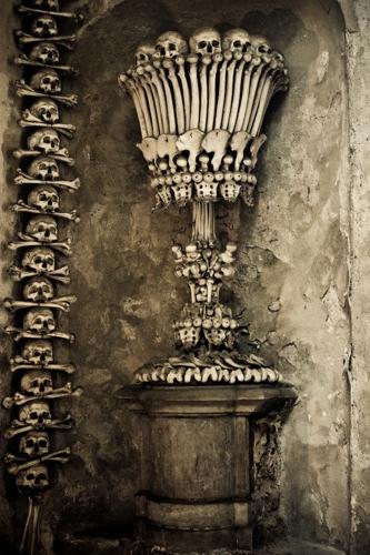 Sedlec-Ossuary-03-Augustus-2007-14U42